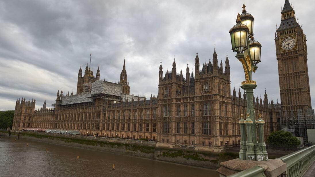 Facebook Belgeleri, İngiltere Parlamentosu Tarafından Ele Geçirildi! - CKFeed