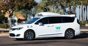 Waymo, ABD'nin Sürücüsüz Taksi Hizmetini İlk Kez Çalıştırıyor