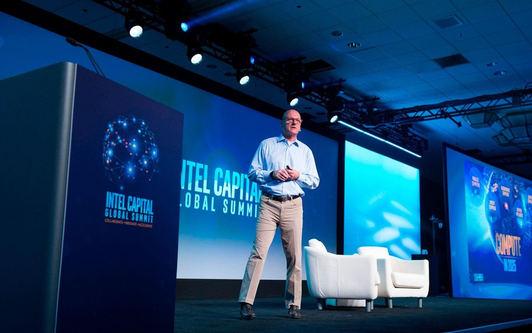 Intel, Katlanabilen Tablet PC Patenti Satın Alıyor!
