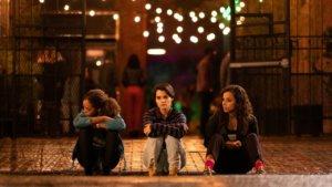 """Netflix'in Yaza Damgasını Vuracak Dizisi """"Trinkets"""" Abonelerinin İzlenimine  Açıldı!"""
