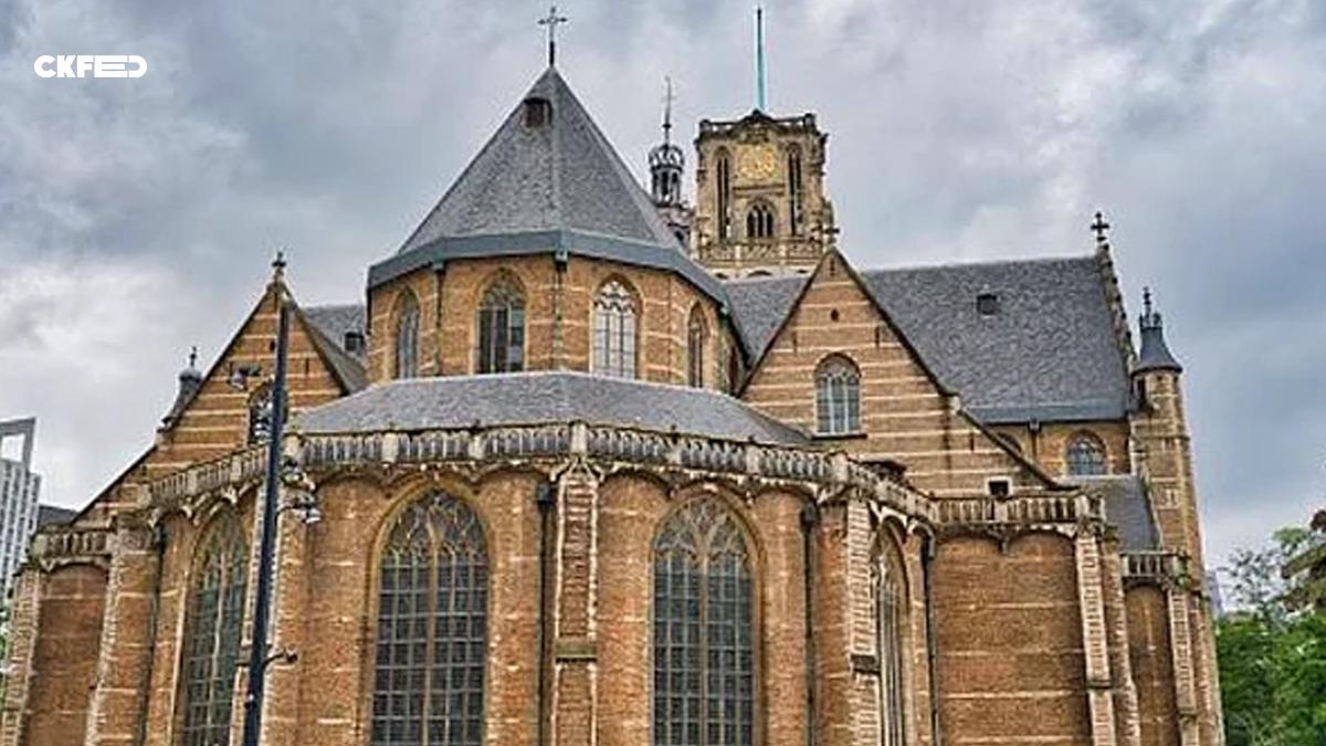 Hollanda'nın Aziz Laurens Kilisesinden Moral Amaçlı Türkçe Ezgiler Çalındı!