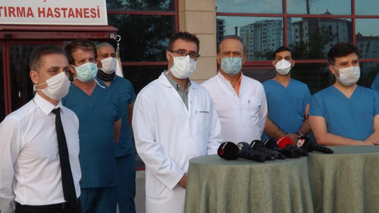 Koronavirüs Türk ışını tedavisi hakkında bilgi veren doktor