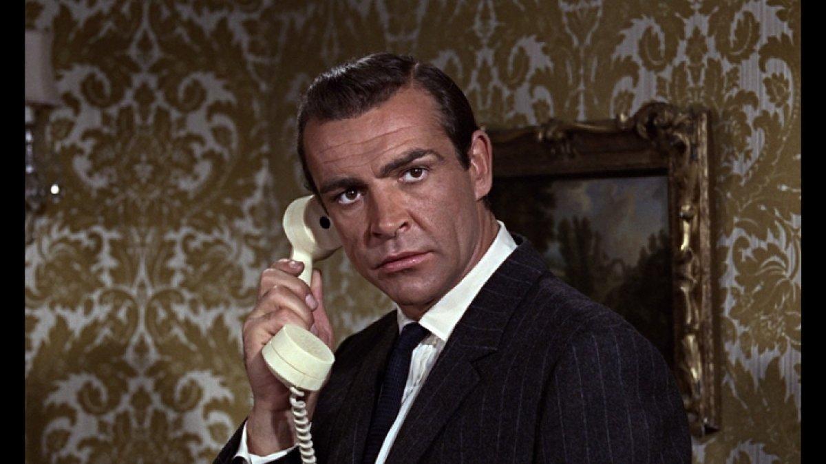 James Bond rolündeki Sean Connery